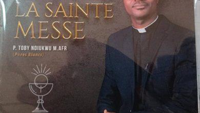 Photo of Musique religieuse : L'abbé Toby Ndiukwu dédicace son premier album intitulé « La Sainte messe »