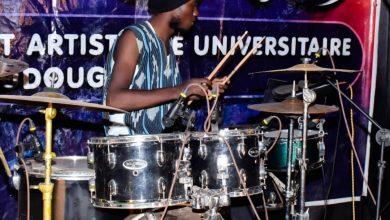 Photo of Musique : Daniel Traoré tombe amoureux de la batterie et en devient fou.
